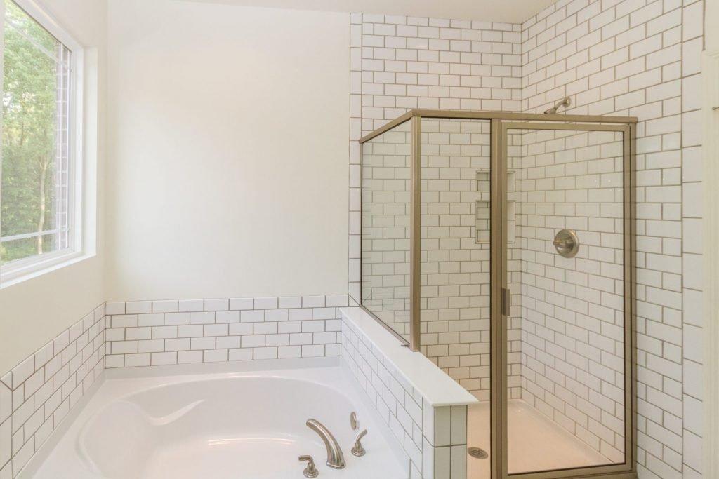 humphrey-master-bathroom